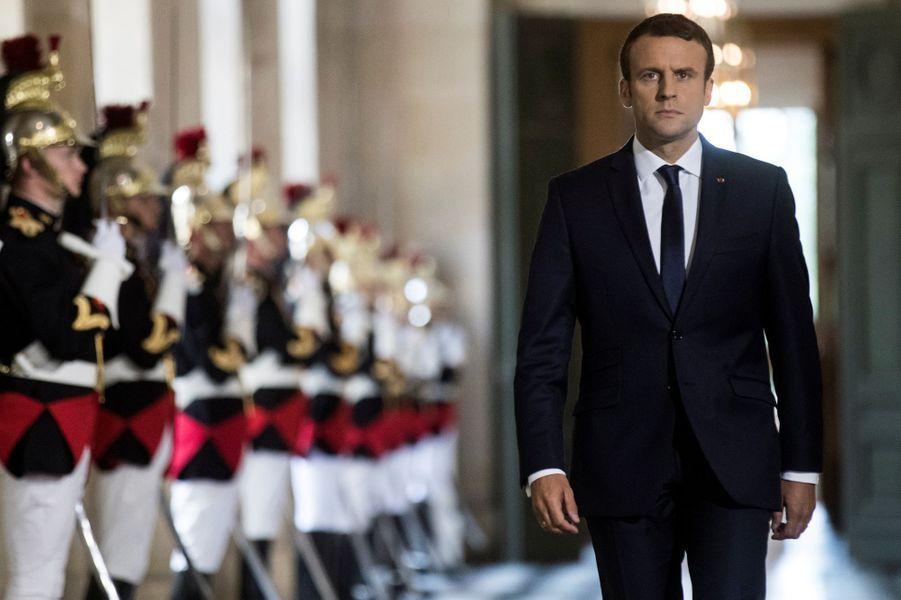 Le président de la République s'apprête à faire son entrée dans l'hémicycle.