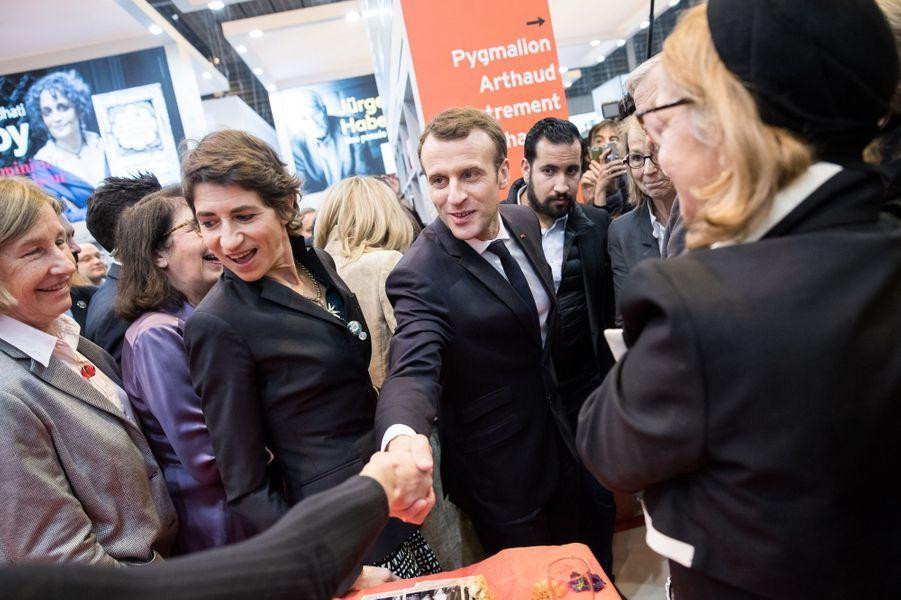 EmmanuelMacron au Salon Livre Paris, jeudi soir.