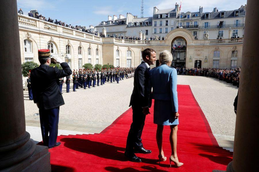 Emmanuel et Brigitte Macron dimanche à l'Elysée.