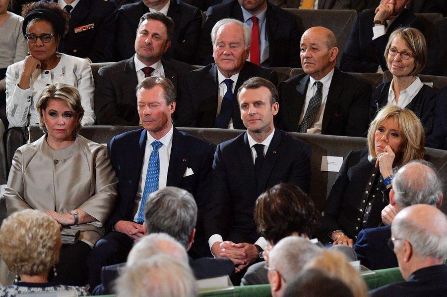 Emmanuel et Brigitte Macron en compagnie d'Henri et Maria Teresa de Luxembourg àl'Académie française à Paris