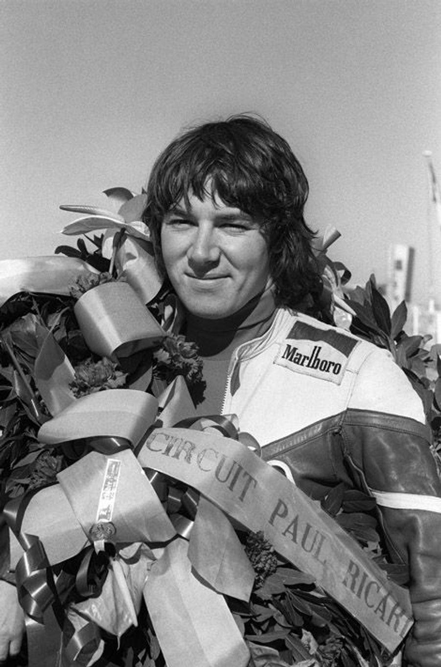 Photo datée du 26 avril 1977 de Christian Estrosi, vainqueur d'une course sur le circuit Paul Ricard, au Castellet.