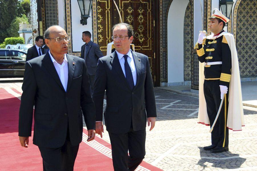 François Hollande affiche son soutien à la Tunisie