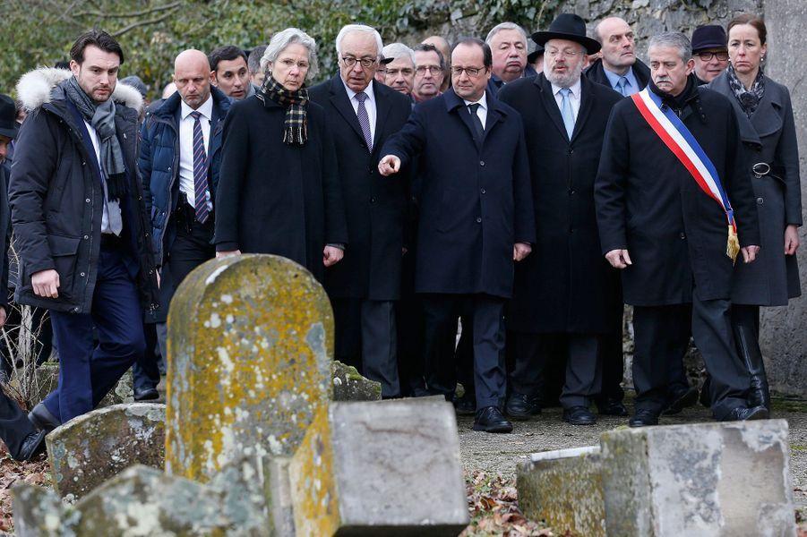 """""""Profaner, c'est souiller la République"""""""