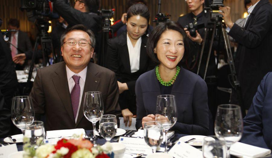 Repas à l'hôtel Novotel, en compagnie du président de Kbiz, Ki-Mun Kim.