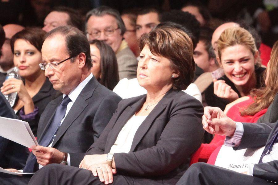 Julie Gayet, ce même jour lors de la convention d'investiture de Francois Hollande, à la Halle Freyssinet.