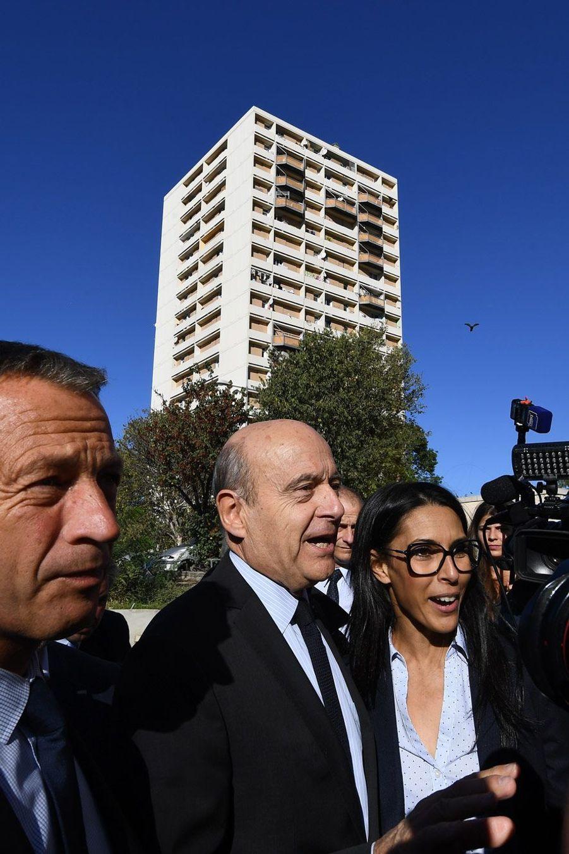Alain Juppé à la Busserine, dans les quartiers Nord de Marseille.