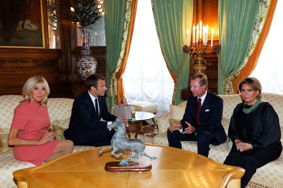 Emmanuel et Brigitte Macron en compagnie du Grand-Duc Henri de Luxembourg et de la Grande-Duchesse Maria Teresa, au Palais Grand-Ducaldu Luxembourg.