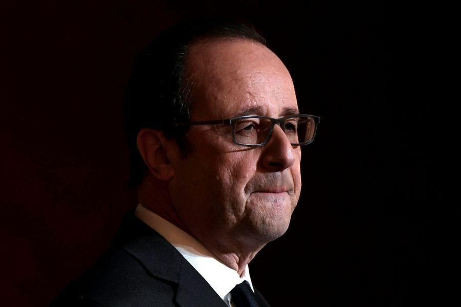 L'abandon de Hollande Le 1er décembre, le président sortant déclare qu'il ne briguera pas un second mandat.