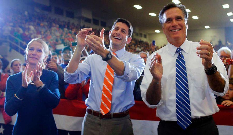 Avec son colistier Paul Ryan et son épouse Janna à Marion