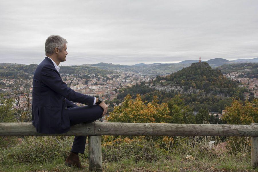 Laurent Wauquiez sur les hauteurs du Puy-en-Velay.