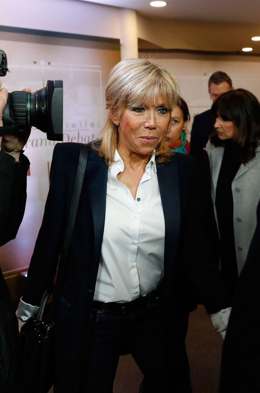 Arrivée de Brigitte Macron.