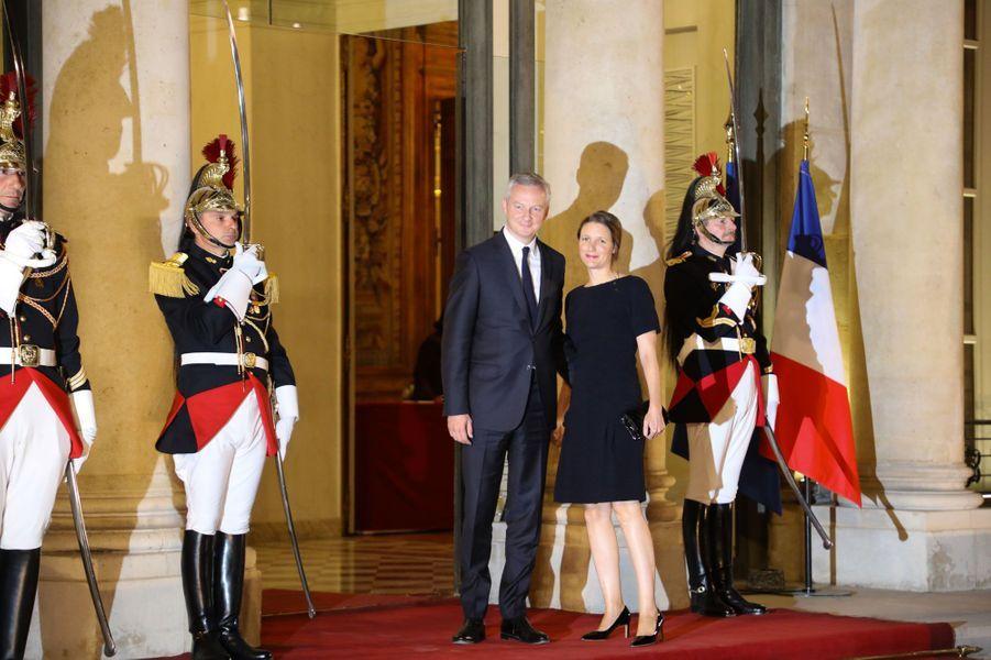 Bruno Le Maire et son épouse Pauline arrivent à l'Elysée.
