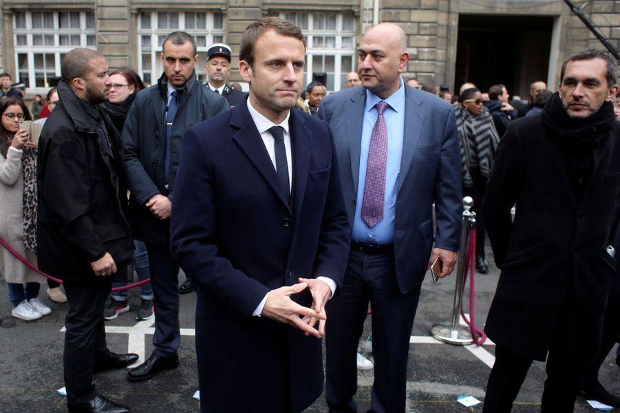 EmmanuelMacron lors del'hommage national mardi à Xavier Jugelé.