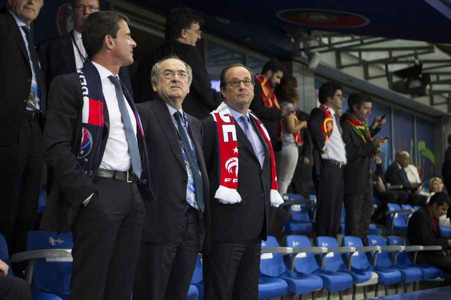 Manuel Valls, Nöel Le Graët, patron de la Fédération française de football et François Hollande