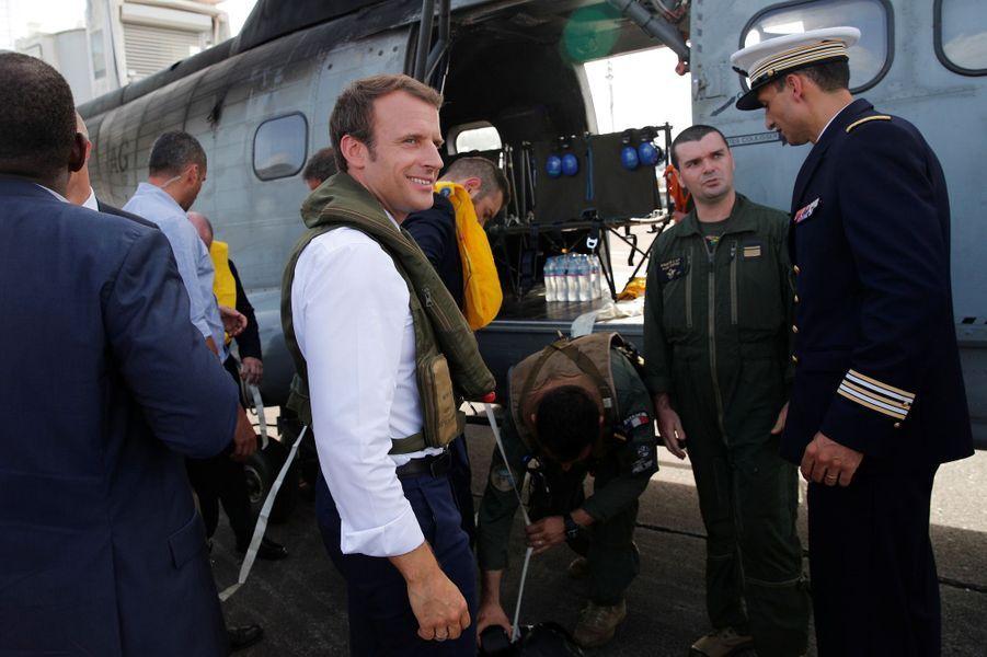 Emmanuel Macron à son départ pour Saint-Martin
