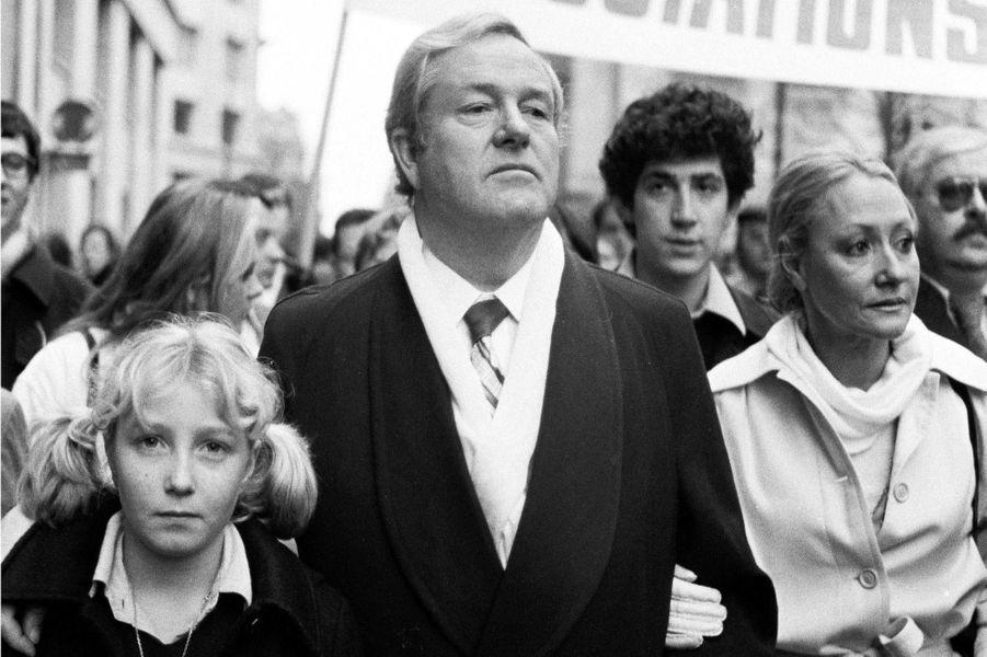 Jean Marie Le Pen, sa femme Pierrette et leur fille Marine Le Pen, en novembre 1979 lors d'une manifestationanti avortement.