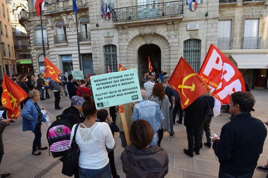 Manifestation devant la mairie de Béziers mardi soir