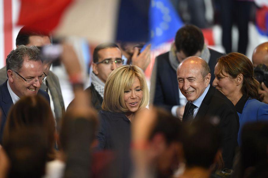 Ségolène Royal et Brigitte Trogneux au meeting d'Emmanuel Macron à Paris, le 1er mai 2017.