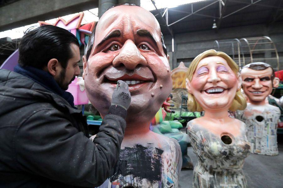 Préparatifs de François Hollande, Marine Le Pen et Emmanuel Macron.