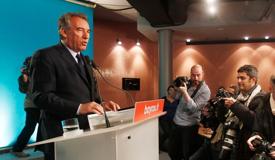 Lors d'une conférence de presse, François Bayrou a présenté sa «loi-cadre» pour défendre le «produire en France», élément central de son programme.
