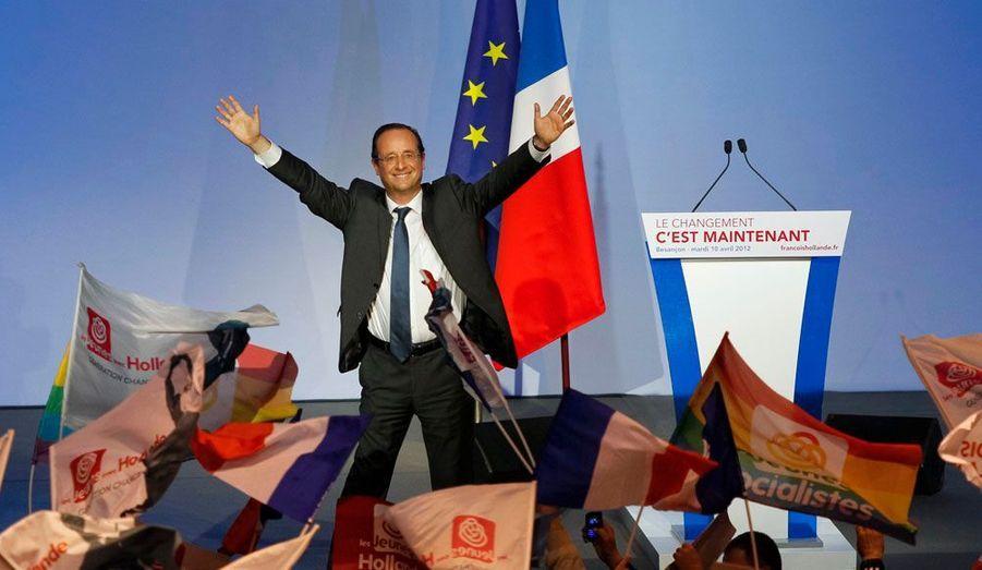 A Besançon mardi, François Hollande a lancé un sévère avertissement à son camp, calmant les ardeurs de ceux qui s'imaginent déjà dans un ministère. «J'ai toujours maîtrisé les emballements – il y en a toujours dans les équipes – ceux qui s'imaginent déjà et qui ne sont rien, rien d'autre que des militants qui doivent d'abord être conscients que c'est la victoire qui autorisera toutes les ambitions, pour servir le pays et rien que pour servir le pays», a-t-il clamé.