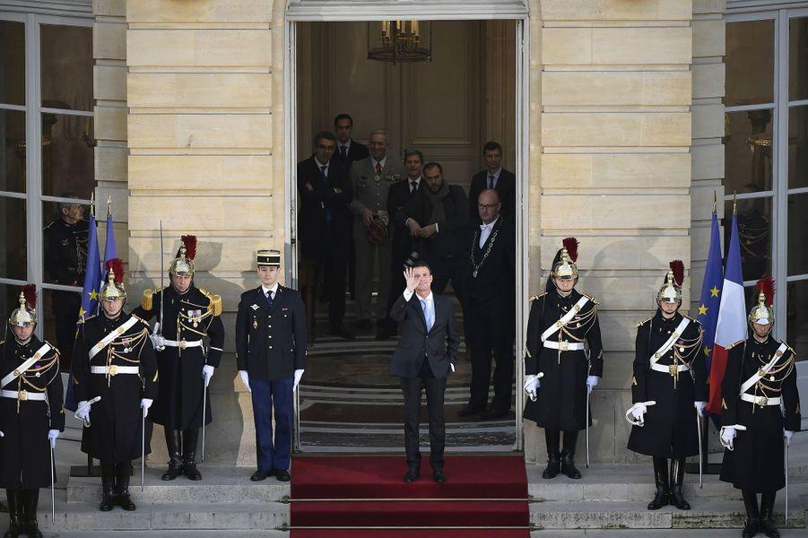 Manuel Valls à Matignon mardi