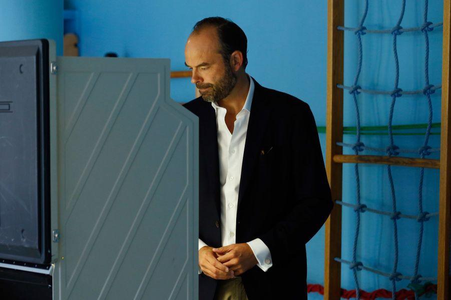 Au Havre, le Premier ministre Edouard Philippe a voté sur une machine électronique.