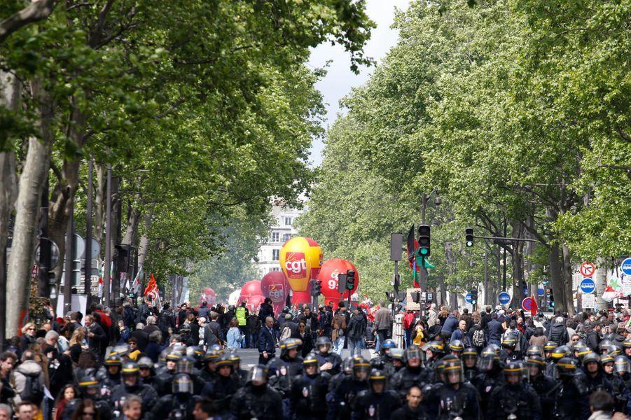 1er-Mai: six policiers blessés à Paris
