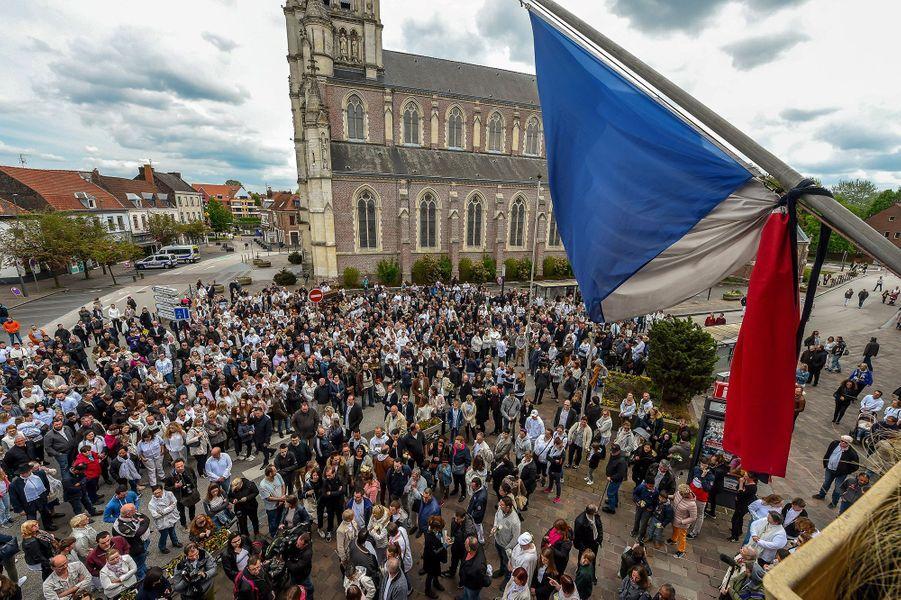 Vive émotion àWambrechies, lors de la marche blanche pour rendre hommage à Angélique.