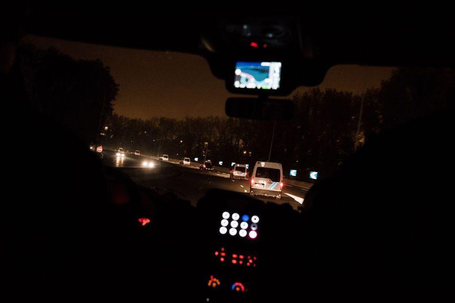 Calais, France le 24 octobre 2016 - Départ pour la jungle a bord d un des véhicules de la CRS 15, l'unité SPI (section de protection et d intervention).