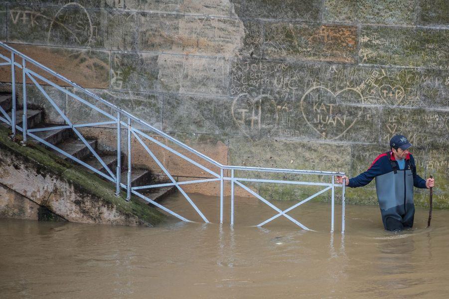 Les berges inondées