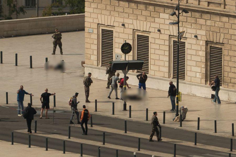 A Marseille, sur les lieux de l'attaque.