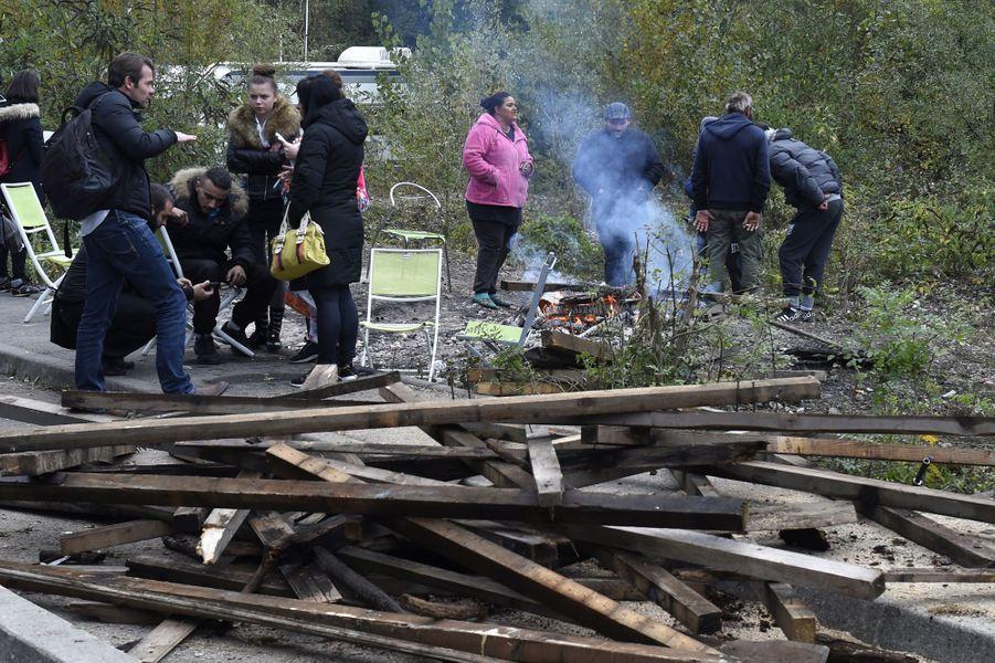 Bernard Cazeneuve s'est rendu à Moirans au lendemain des émeutes