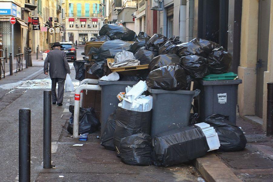 Fin de la grève des éboueurs à Marseille