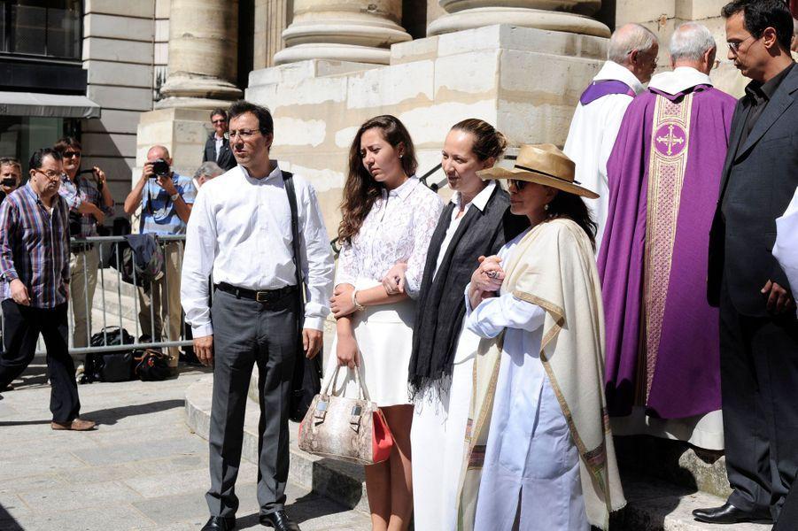 Les proches, les amis et les confrères de l'avocat Jacques Vergès, décédé jeudi dernier, ont rendu un ultime hommage à l'avocat brillant et controversé. La cérémonie s'est déroulée à Paris en l'église Saint-Thomas d'Aquin.
