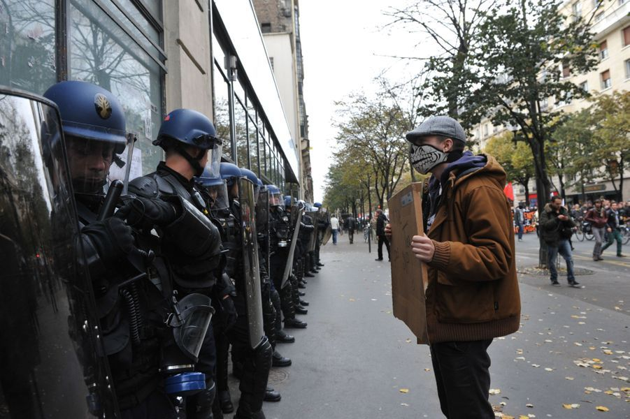 La colère contre les violences policières