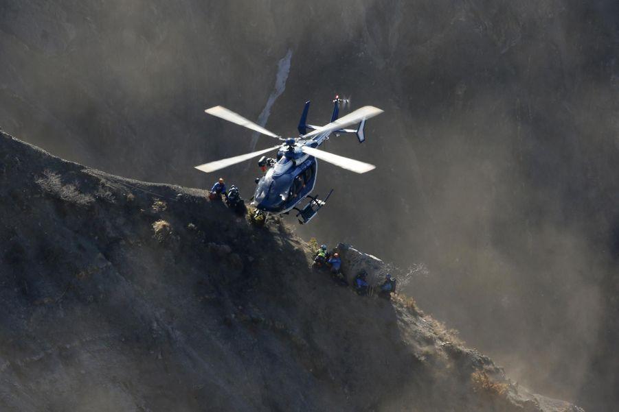 Recherches périlleuses à flanc de montagne