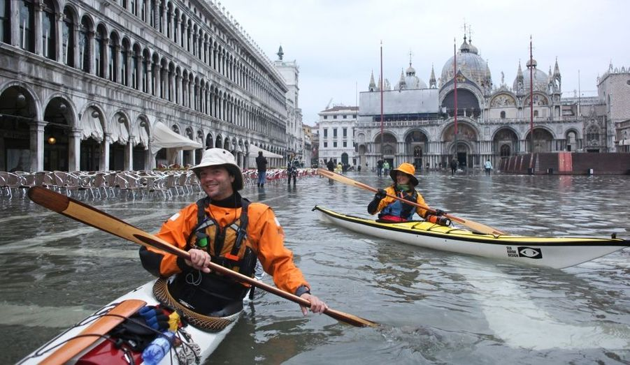 La ville de Venise a été engloutie par les flots.