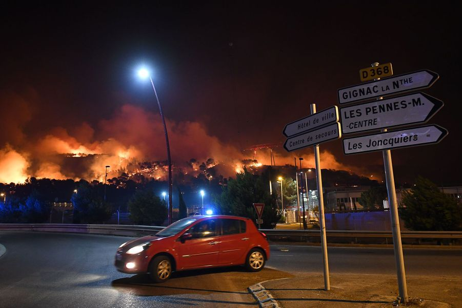 Incendies : nuit d'angoisse dans les Bouches-du-Rhône