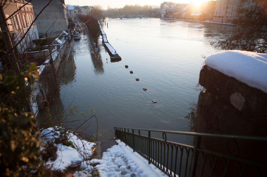 Esbly (Seine-et-Marne) sous l'eau
