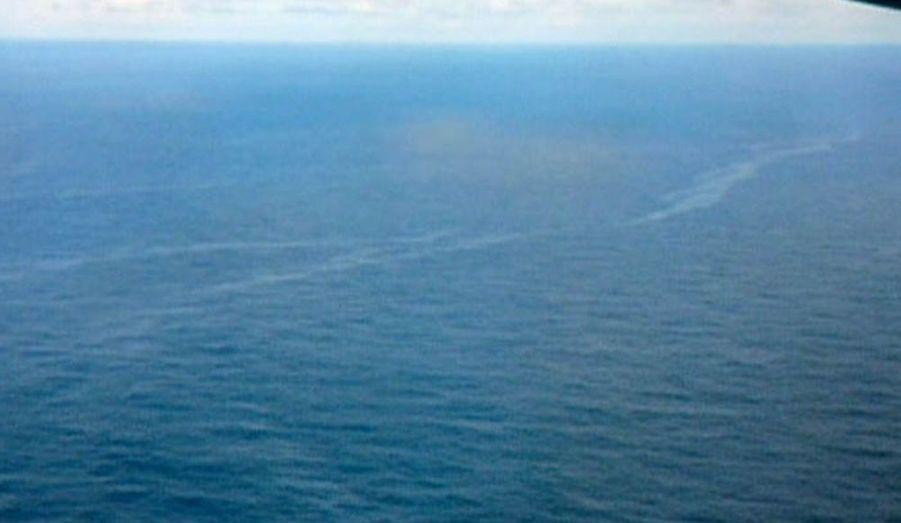 C'est l'endroit probable où l'A330 du vol AF447 s'est abîmé en mer. Un fragment de l'avion d'une taille de 7 mètres aurait été retrouvé par les avions de l'armée de l'air brésilienne à 1200 km au nord-est de Recife.
