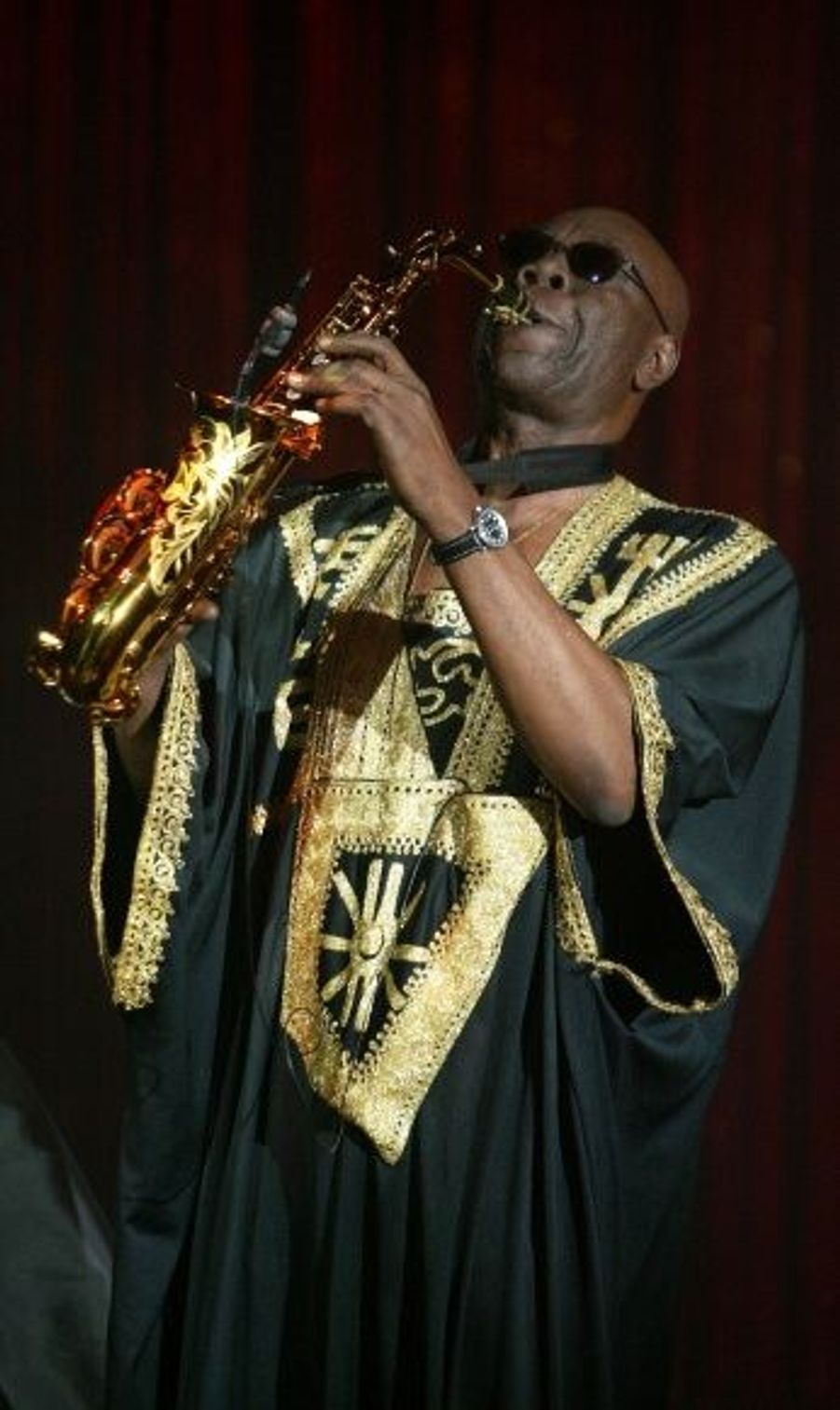 Le musicien camerounais a été élevé au grade de Chevalier de la Légion d'honneur