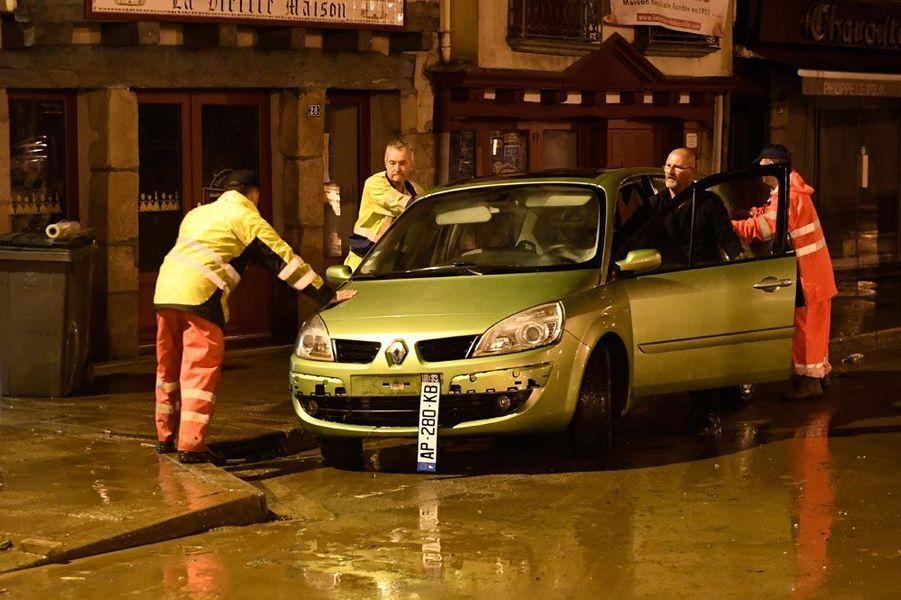 Le centre-ville de Morlaix inondé