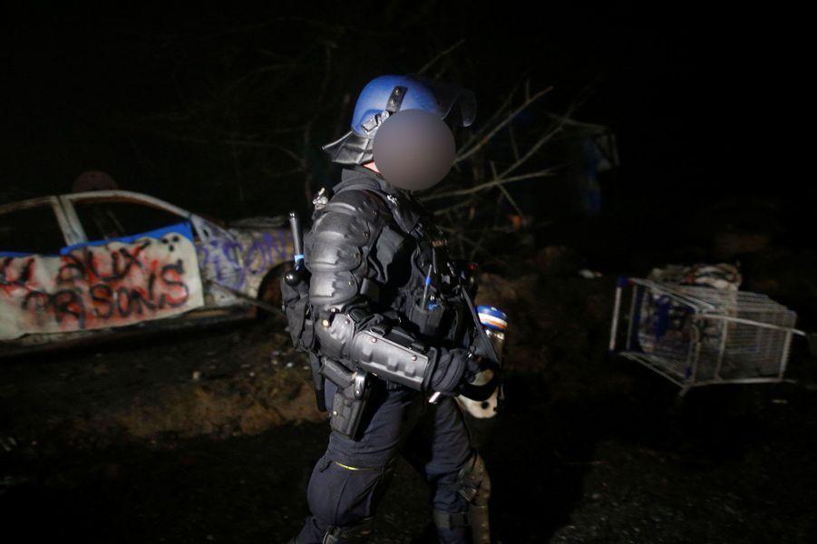 L'expulsion deoccupants illégaux de la ZAD de Notre-Dame-des-Landes a débuté lundi matin