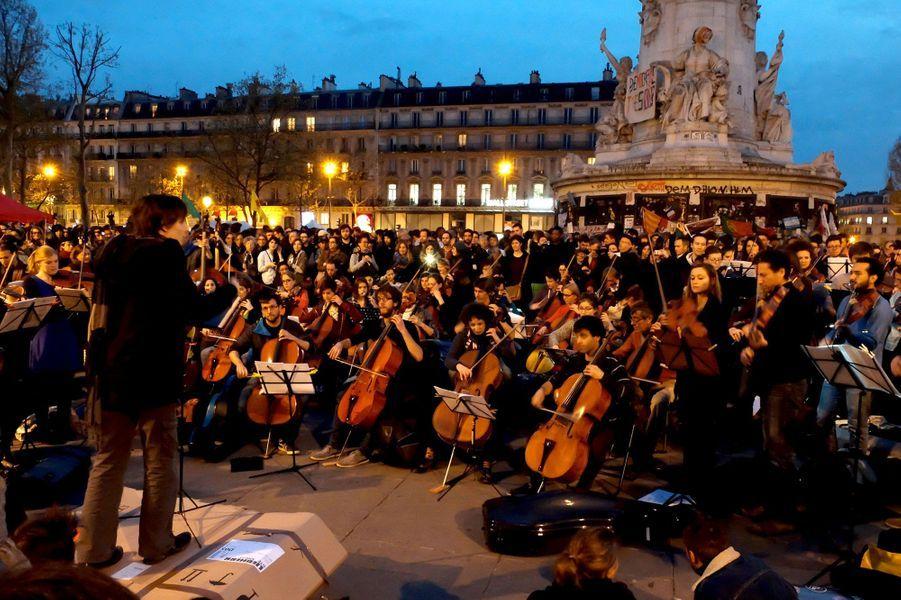 350 musiciens ont répondu à l'appel de Nuit Debout