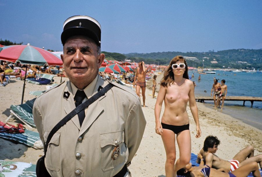 Notre reporter Jean Mezerette joue les gendarmes de Saint-Tropez en 1973 : « Au bout d'une heure, on ressent comme une intoxication de poitrines… »