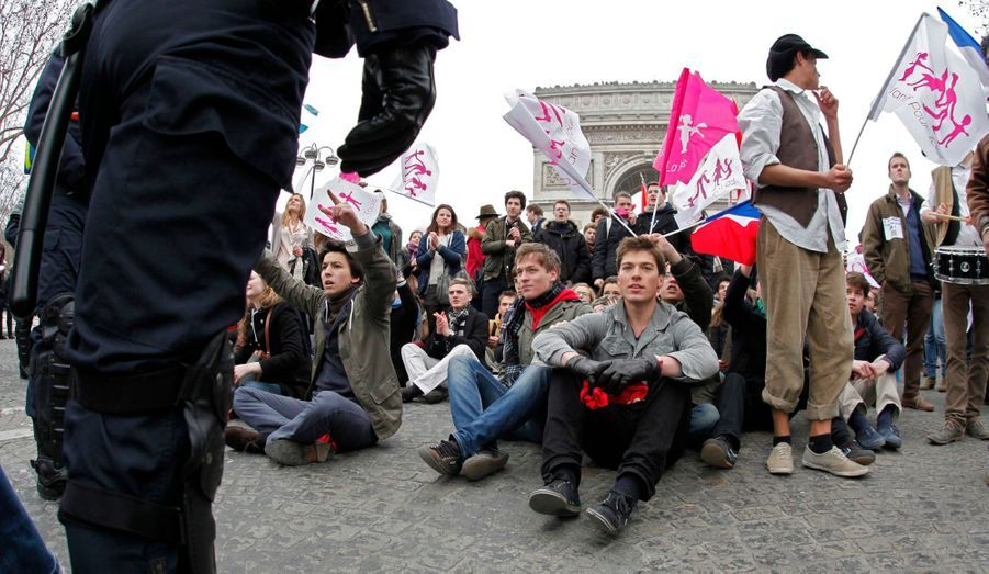 Selon les organisateurs, la manifestation a mobilisé 1,4 million de personnes. Pour la préfecture de police, le chiffre est de 300 000.