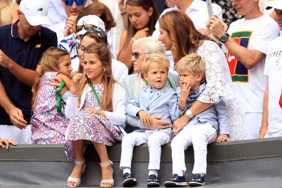 Wimbledon : Federer toujours plus fort...Il remporte son 19ème titre en Grand Chelem sous les yeux de ses enfants! photos