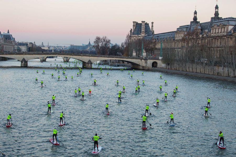 En paddle dans Paris.