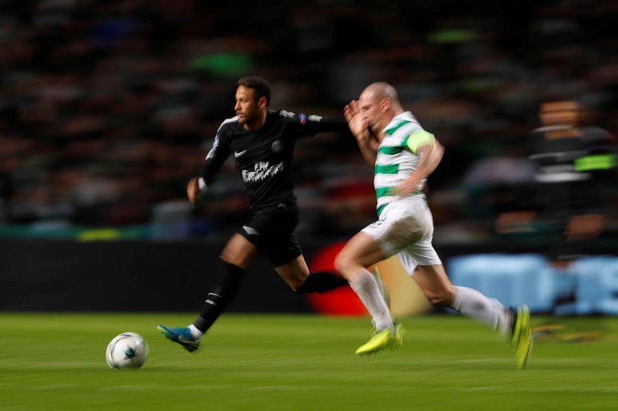 Neymar trop rapide pour les défenseurs du Celtic